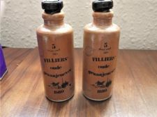 2 X COLLECTABLE EMPTY STONEWARE BOTTLES FILLIERS 4cl  OUDE GRAANJENEVER 1880